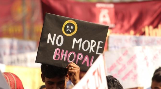 32 वीं बरसी – भोपाल गैस हादसे के पीड़ितों के पाँच संगठनों ने पत्रकार वार्ता को संबोधित किया