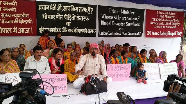 Bhopal – Three decades of Struggle: Gas survivors begin indefinite fast at Jantar Mantar