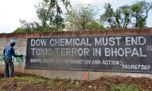 2001: Dow Chemical Enters the Fray | International Campaign