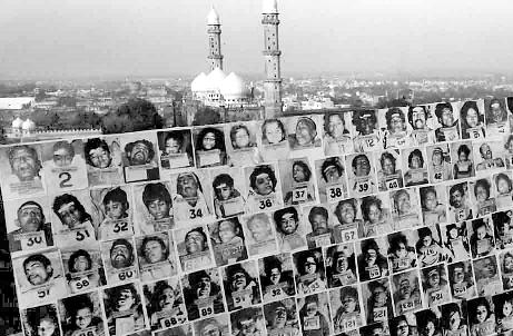 essay gas tragedy bhopal The major types of environmental pollution are air pollution, water bhopal gas tragedy in pictures in the days after the gas leak, anderson was arrested and then.
